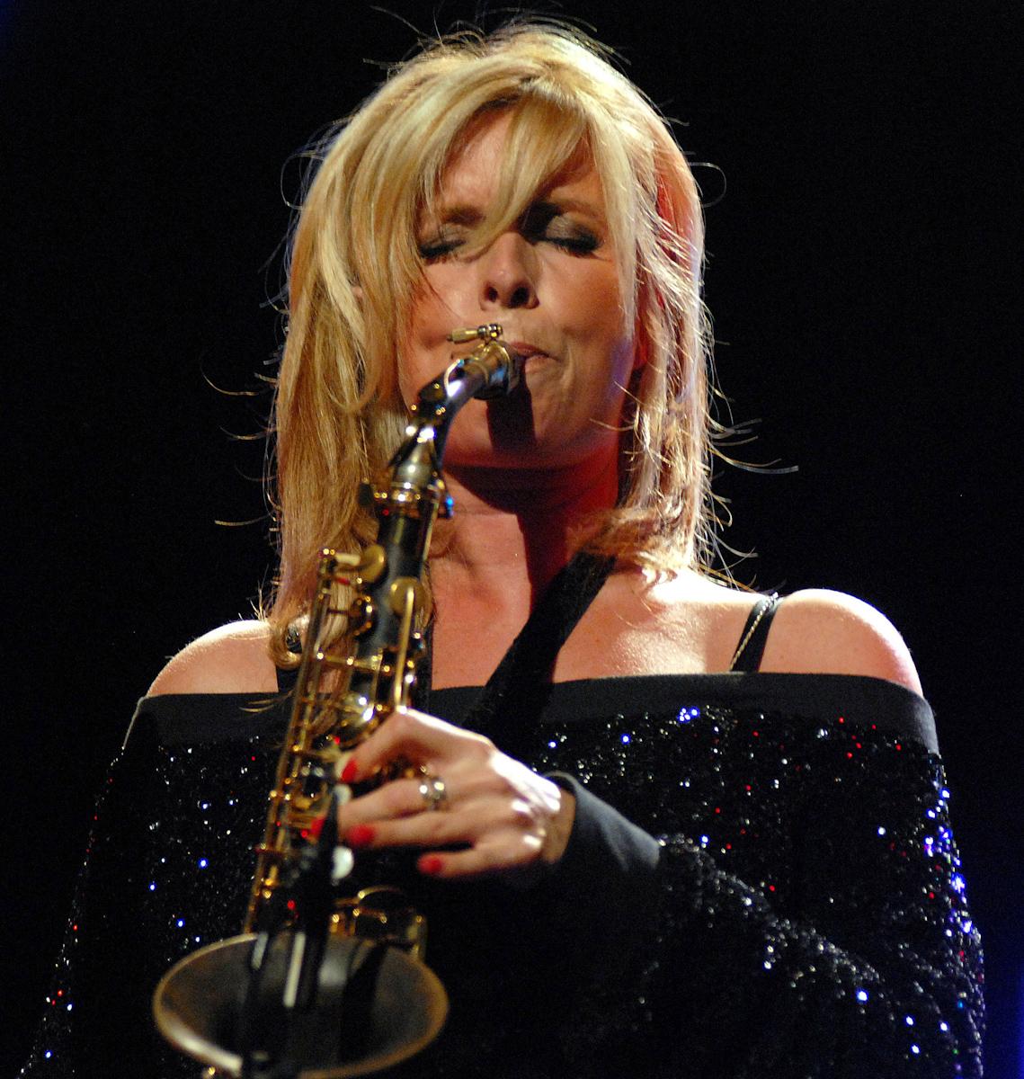 Candy Dulfer podczas koncertu w ramach Ladies Jazz Festival by SEAT w Gdyni.